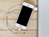 Do you really need Apple-made accessories for fast charging of the new iPhones?